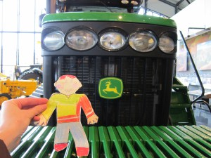 flat-stanley-new-tractor