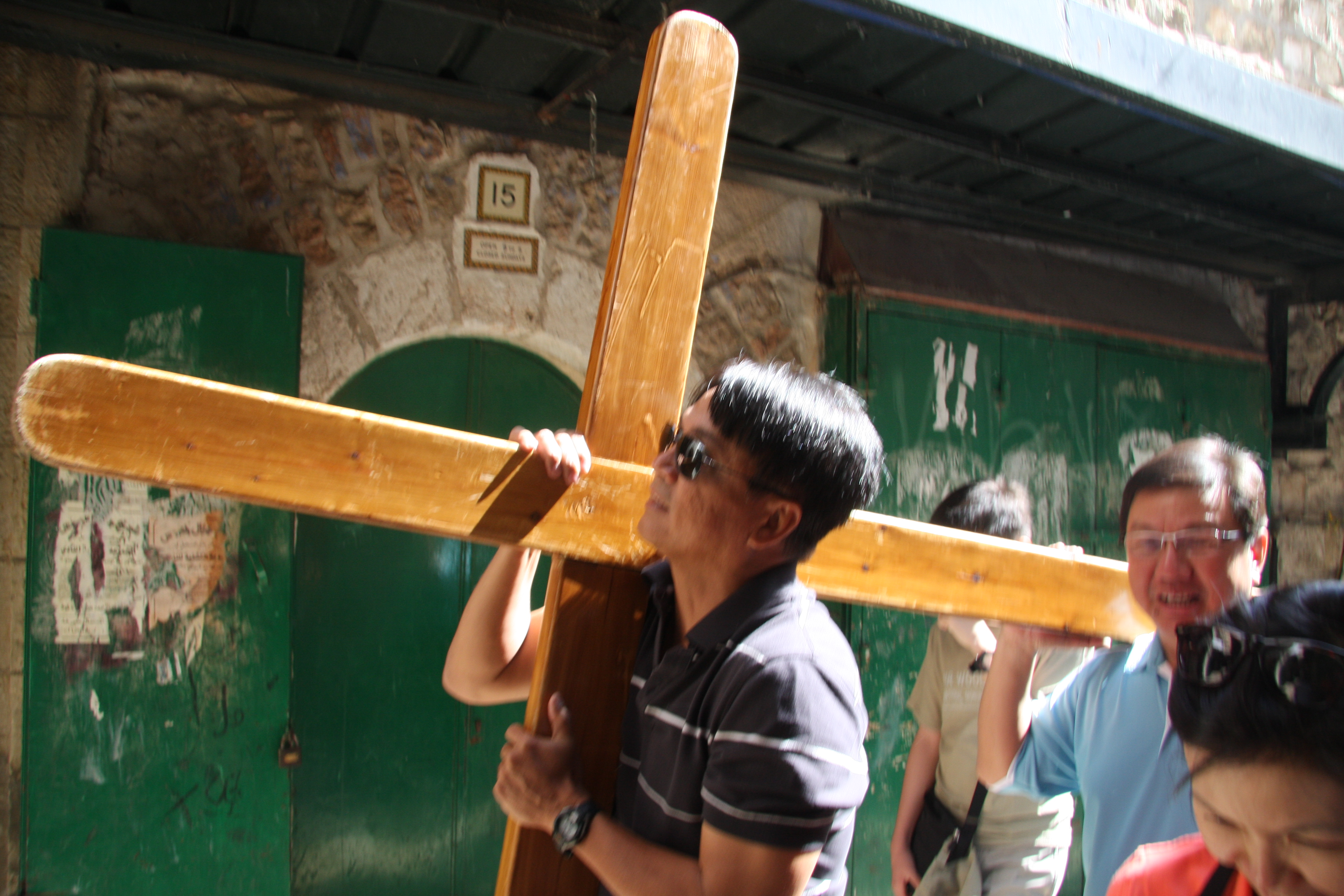 Albert & Willy carrying the cross