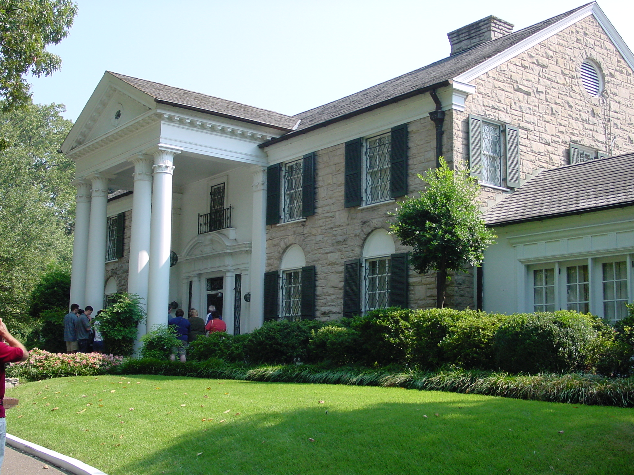 A Tour or Two… Maybe Half a Dozen Tours of Graceland